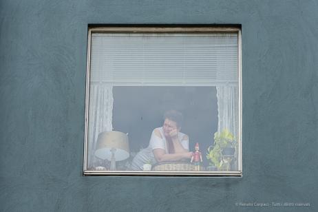 """Checking out"" . House downtown Reykjavik. Nikon D810, 85.0 mm (85.0mm ƒ/1.4) 1/100 sec ƒ/8 ISO 64"