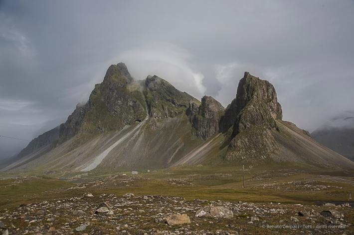Mount Eystrahorn, near Hvalnes. Nikon D810, 35 mm (24-120.0 mm ƒ/4) 1/1000 sec ƒ/8 ISO 200