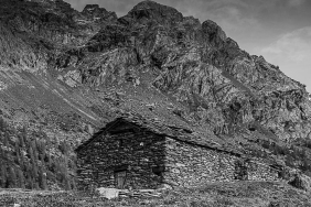 Alpe Campagneda. Nikon D810, 85mm (85 mm ƒ/1.4) 1/100 sec ƒ/8 ISO 64
