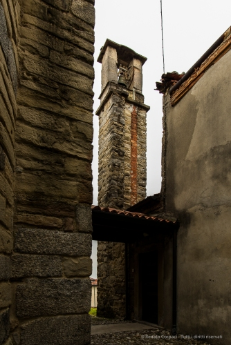 Garbagnate Monastero, Chiesa di S. Nazaro e S. Celso. Nikon 810, 20 mm (20.0 mm ƒ/1.8) 1/10 sec ƒ/8 ISO 64