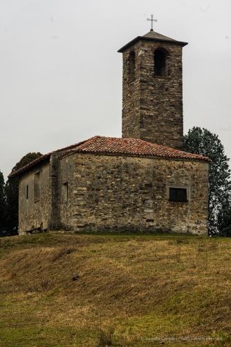 Garbagnate Monastero, Chiesa di S. Martino. Nikon 810, 105 mm (105.0 mm ƒ/2.8) 1/25 sec ƒ/8 ISO 64