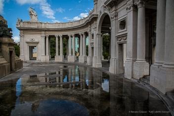 """Jose Miguel Gomez memorial breacks the perspective in Avenida de los Presidentes. Nikon D810, 24 mm (24-120.0 ƒ/4) 1/200"""" ƒ/18 ISO 400."""