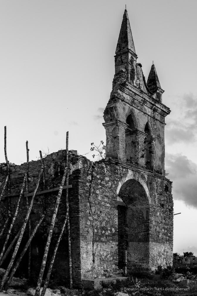 """Trinidad, Iglesia de la Popa. Nikon D810, 48 mm (24-120.0 ƒ/4) 1/320"""" ƒ/5 ISO 400"""