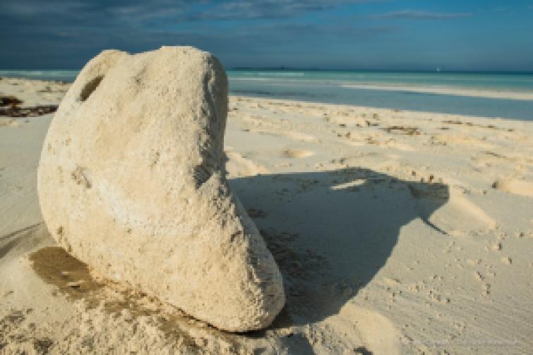 """An impromptu sand sculpture on the Las Gaviotes beach, on Cayo Santa Maria. Nikon D810, 24 mm (24.0 ƒ/1.4) 1/125"""" ƒ/10 ISO 64"""