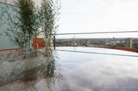 """""""Up In The Sky"""", l'esibizione curata dalla Galleria Rossana Orlandi in un attico del complesso disegnato da Daniel Libeskind nel comprensorio della ex-Fiera di Milano. Nikon D810 24 mm (24 mm ƒ/1,4) 1/60"""" ƒ/4.5 ISO 64"""