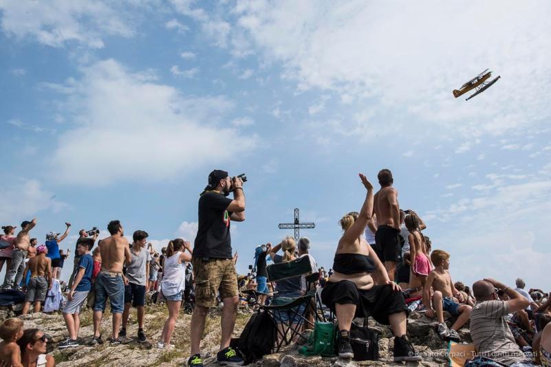 Airshow. Manerba, Lake Garda 2016. Nikon D810, 24 mm (24.0 mm ƒ/1.4) 1/1600 ƒ/13 ISO 800