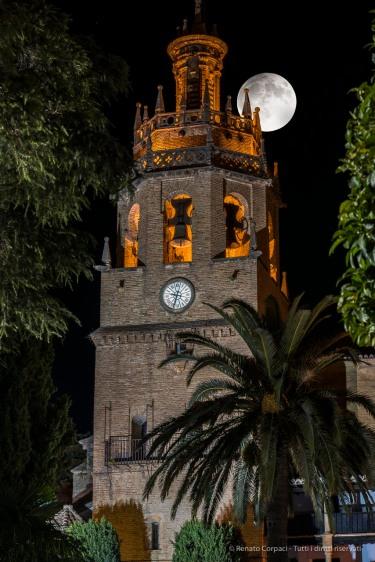 """Ronda, Church of Santa Maria la Mayor, belfry, Plaza Duquesa de Parcent. Nikon D810, 85 mm (85 mm ƒ/1.4) 8"""" ƒ/11 ISO 64"""