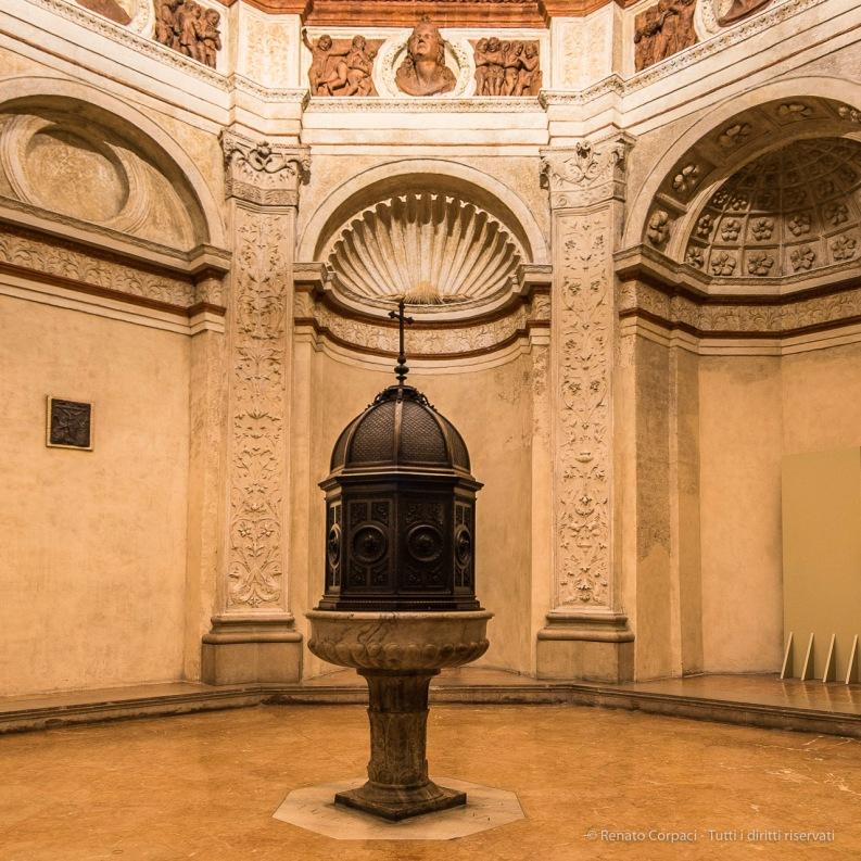 Milano, chiesa di Santa Maria in San Satiro. IX century Sacristy, by Donato Bramante