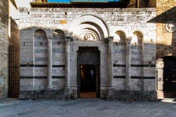 """San Gimignano, January 2017. Nikon D810, 24 mm ( 24-120.0 mm ƒ/4) 1/60"""" ƒ/8 ISO 250"""