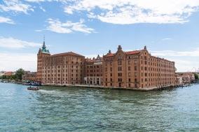 "Molino Stucky, Giudecca, Venezia. Nikon D810, 27 mm (24-120 mm ƒ/4) 1/500"" ƒ/8 ISO 100"